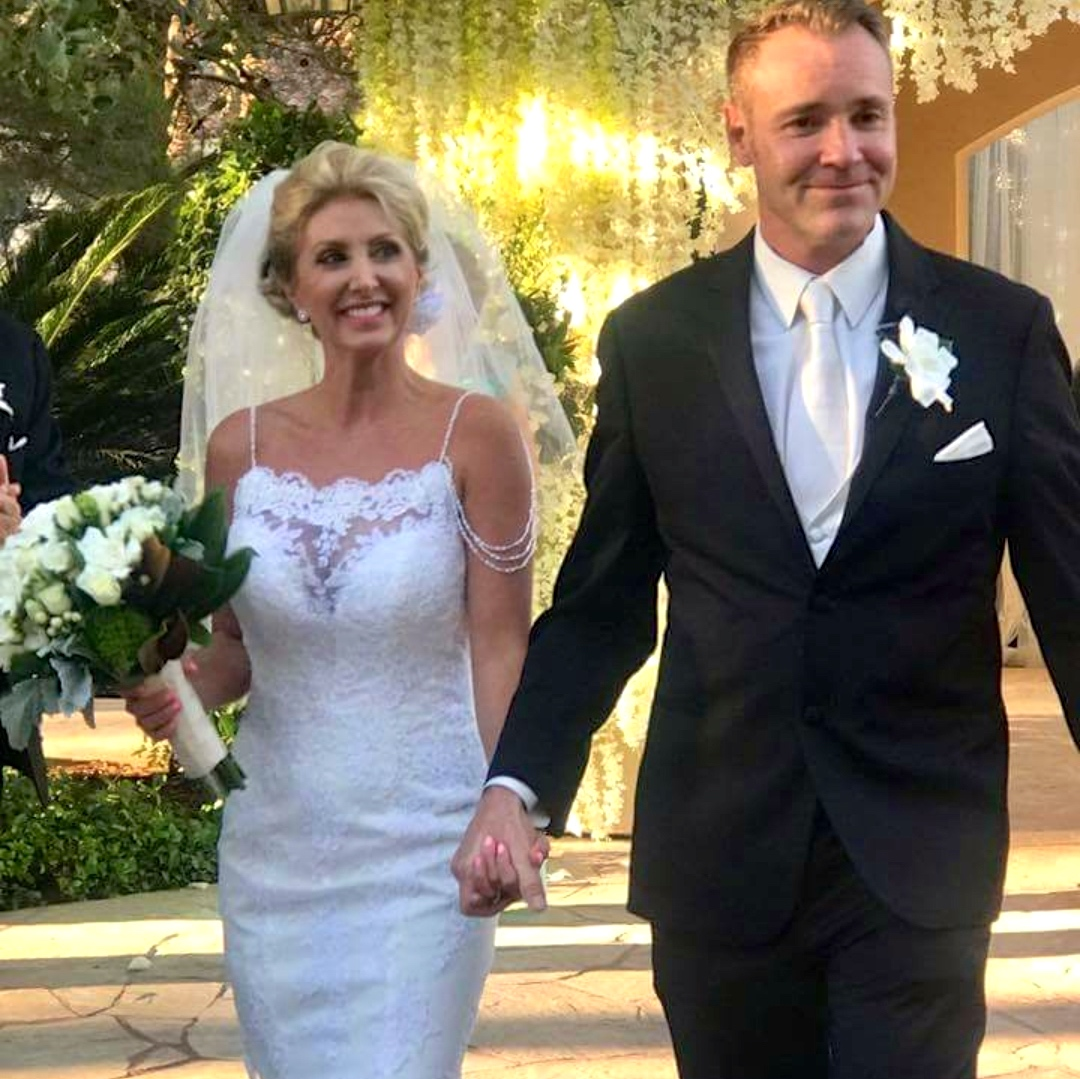 Las Vegas Wedding Officiant - Tiffany Graves