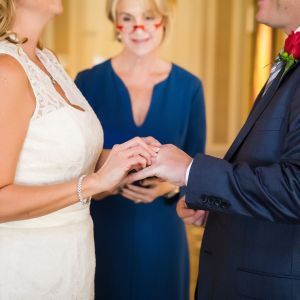 Las Vegas Wedding Minister - How to Choose a Wedding Officiant