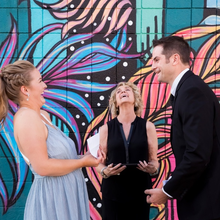 Las Vegas Wedding Officiant - Fun weddings